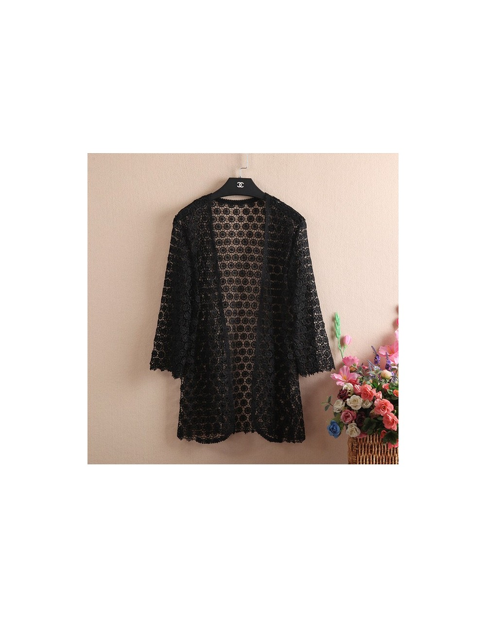 2018 Fashion Middle-Aged Woman Lace Cardigan Crochet Shrug Lace Hollow Out Many Colors Tassel Sweater Cape Cardigan Shurg T2...